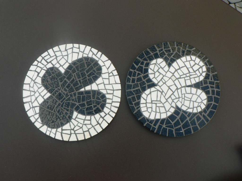 mosaique emaux black and white