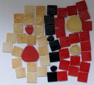 matériaux emaux de briare et galets japonais pour dessous de plat mosaique